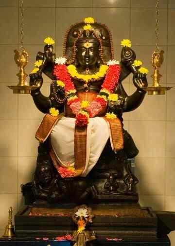 dhatchinamoorthi