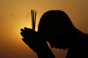 praying-god1