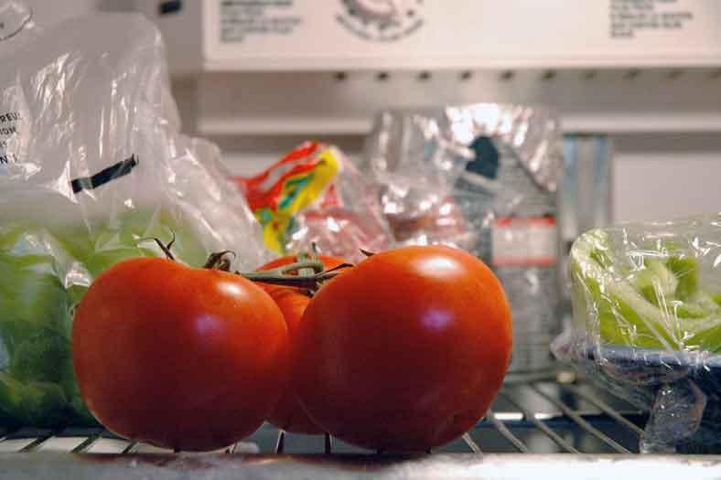 tomato-in-fridge