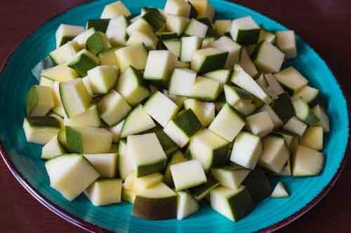 mango-cutting